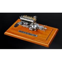 Bugatti 57SC Engine with Showcase