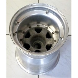 Renault RE20B rear wheel