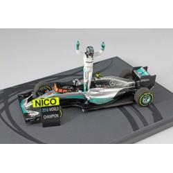 Mercedes W07 Nico Rosberg célébrant Champion du Monde 2016