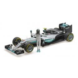 Mercedes W07 Nico Rosberg Champion du Monde 2016 avec figurine