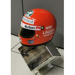 1975 Niki Lauda / Ferrari replica helmet